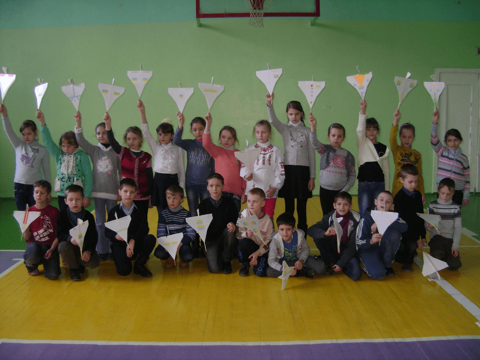 Члени гуртка початкового технічного моделювання.